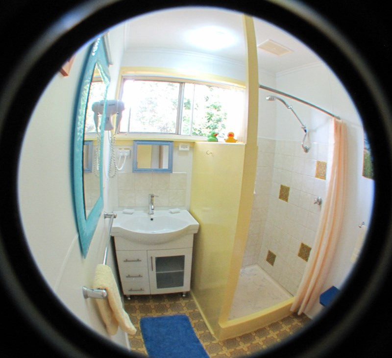 king-island-accommodation-cottages-bathroom.jpg